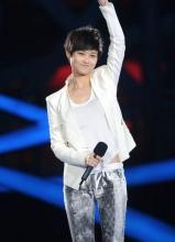 成龙李宇春献唱奥运晚会 奥运冠军伴舞