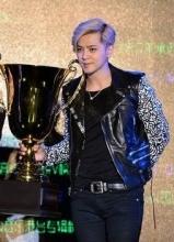 罗志祥举办亚洲记者会 获赠超级奖杯加冕狮王
