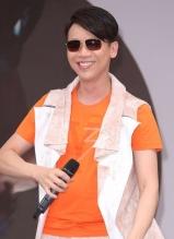 陶喆骑重机车西门町宣传新专辑 自曝明年拍电影
