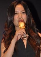 赵薇林志玲 图揭明星陪酒的尴尬瞬间
