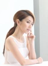 邓紫棋透视装写真曝光 白色短裙裸背秀性感