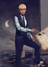 周杰伦登时尚杂志封面 玩分裂为天台造势
