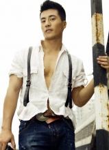 李晨浩型男写真 大秀壮硕身材