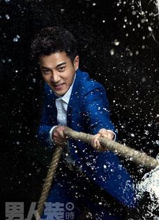 刘恺威运动写真动感出境 化身棒球男神