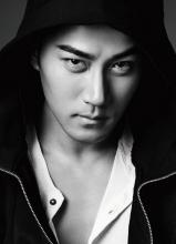 刘恺威黑白质感写真 型男范十足