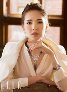许玮甯与阮经天分手不影响心情 拍摄珠宝大片勇登封面