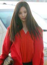 韩国女天团少女时代成员Tiffany夏日写真 清凉连衣裙上阵