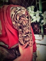 大臂帅气的二郎神纹身