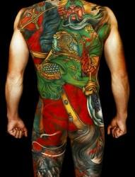 满背三国人物纹身