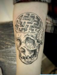 一款另类的手臂猪纹身图案