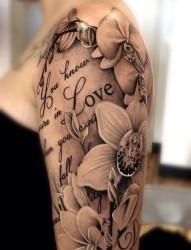 唯美手臂花朵的秘密含义