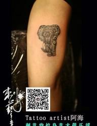 可爱的小象手臂纹身