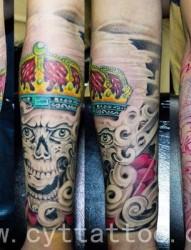 小臂经典嘎巴拉纹身