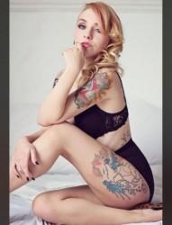 纹身美女的性感诱惑