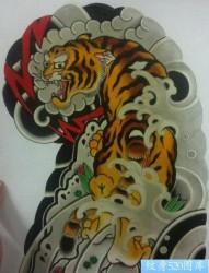 经典霸气的传统半甲老虎纹身图片
