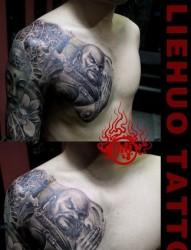 超帅经典的半甲达摩与佛头纹身图片