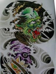 中国经典纹身手稿之霸气超酷的半甲龙头骷髅莲花浪花纹身图片