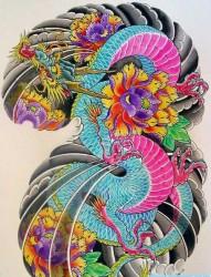 纹身520图库为你推荐一幅日式彩色半胛龙纹身手稿图片