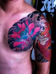 漂亮的莲花鲤鱼半甲纹身