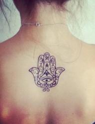 女背部好看的图腾纹身