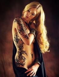 纹身520图库推荐一幅女人腰部性感的图腾纹身