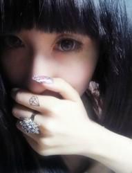 手指清新的钻石纹身