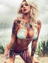 美女肩部唯美漂亮的暂时性纹身