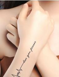 颈部个性爱心树纹身