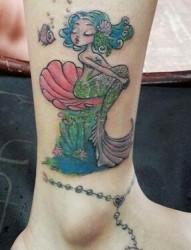 女性脚踝美人鱼脚链纹身图案