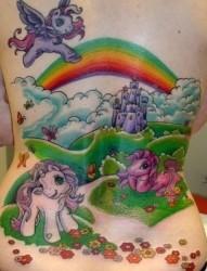 女孩子身上的卡通小马纹身图片