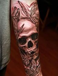 另类时尚的恐怖骷髅纹身