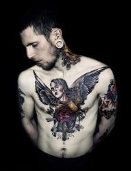 欧美潮男的个性纹身