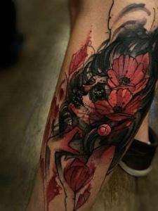 极具设计感的泼墨纹身图片