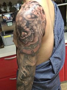 手臂唐狮纹身图片超级霸气无敌