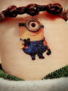可爱小黄人清新图案纹身