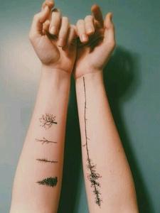 手臂高贵清新的小树纹身图片