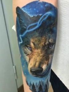彩色逼真3d小狗头像纹身图案