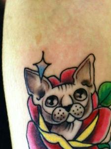 楚楚可爱的小花猫纹身