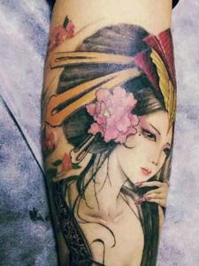腿部一枚传统花妓纹身刺青