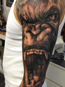 非常可怕的花臂3d大猩猩纹身刺青