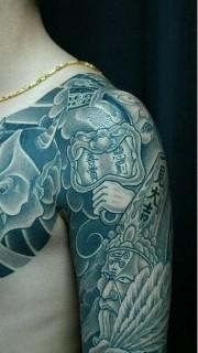 男性霸气的般若和黑白无常纹身