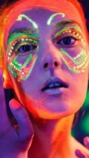 性感荧光纹身点亮你的夜店生活