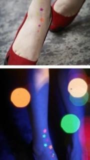 女生脚部时尚靓丽星星彩色夜光另类纹身