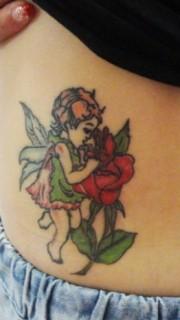 腹部天使玫瑰花纹身图案