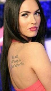 变形金刚女主角梅根福克斯性感纹身