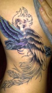 右侧肋骨翅膀天使纹身