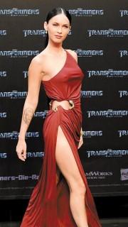 变形金刚女主角梅根福克斯的手臂纹身