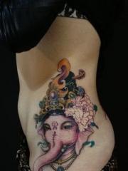 传统象神腰部纹身图案