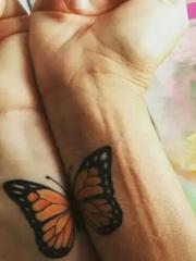 一人一半 情侣纹身