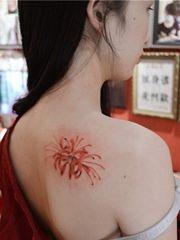 曼珠沙华 肩部好看的彼岸花纹身